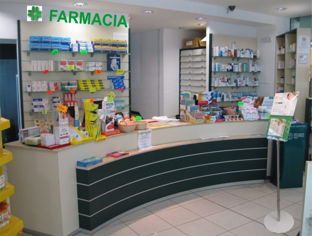 Espositori Caspani Green Project in farmacia e negozio bio