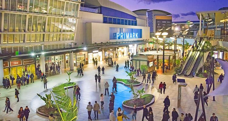 I benefici di Fotosan per un centro commerciale